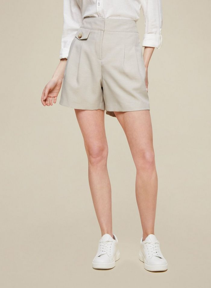 Dorothy Perkins Grey Pocket Detail Shorts are pictured here.